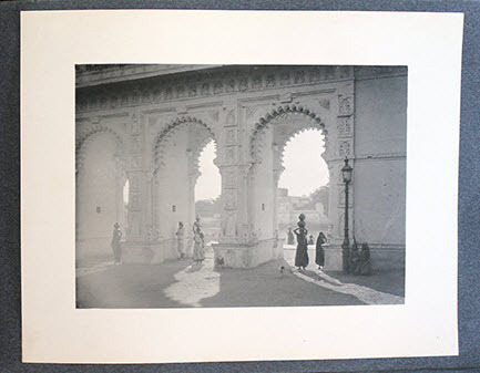 """<span id=""""docs-internal-guid-f989058c-2835-416a-c6ba-94abf9e6d87c""""><span>An image of Photographs of India</span></span>"""